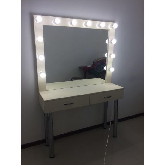 """Зеркало для макияжа с подсветкой """"ЭМИ"""""""